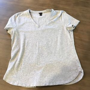 Lot of 2 Ann Taylor Petite V-Neck Tee